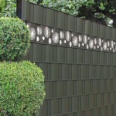 Ganz neu von M-tec technology sind die Design Sichtschutzstreifen als dekorative Ergänzung zu den Sichtschutzzäunen.