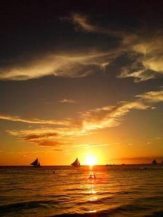 Apr13: Sunset Sailing - http://boracay-mega.com/apr13-sunset-sailing/