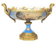 https://www.casa-padrino.de/casa-padrino-baroque-porcelain-dish-light-blue-gold-b-40-h-37-cm-grand-decor-hotel-decoration/dekoration/a-94709/