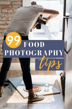 99 Food Photography Tips From Photographers (That'll Blow Your Mind) A collection of 99 food photography tips from photographers at all stages of their creative journey. Tips about lighting, hacks, props, styling and mindset. Food Photography Lighting, Food Photography Props, Photography Jobs, Photography Lessons, Light Photography, Photography Tutorials, Digital Photography, Photography Awards, Photography Courses