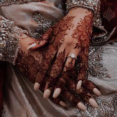 Pretty Henna Designs, Modern Henna Designs, Hena Designs, Floral Henna Designs, Arabic Henna Designs, Latest Bridal Mehndi Designs, Stylish Mehndi Designs, Mehndi Designs For Girls, Mehndi Designs For Beginners