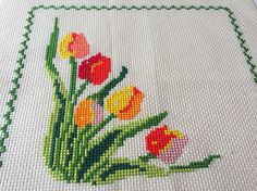 Lovely Tulips Wildflower Cross Stitching. The picture was stitched using ten different cotton thread colours on a beige color 16 count cloth. Embroidery Size: 18,5 x 18,5 cm Cloth Size : 24 x 23 cm ★ PLEASE NOTE! ★ Real colors may slightly differ from their appearance on your display. Frame and Crystals are NOT included. ♡♡♡♡ ♡♡♡♡ ♡♡♡♡ ♡♡♡♡ ♡♡♡♡ ♡♡♡♡ If you have any questions please drop me a line. Find me on instagram: soulcraft_mala ♡♡♡♡ ♡♡♡♡ ♡♡♡♡ ♡♡♡♡ ♡♡♡♡ ♡♡♡♡