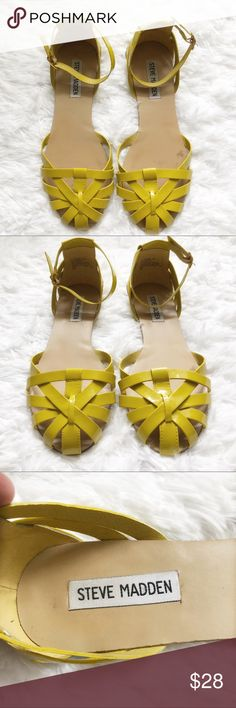 Steve Madden Bright Yellow Close Toe Sandals This color screams spring! Pair these beauties with a sundress and jean jacket    ✨size: 7 Steve Madden Shoes Sandals