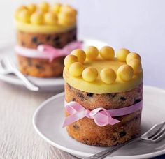 2 individually portioned mini Simnel cakes topped with marzipan balls Asda Recipes, Baking Recipes, Cake Recipes, Baking Tins, Cake Baking, Baking Ideas, Recipies, Mary Berry, Simnel Cake