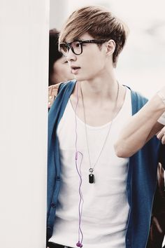 EXO Lay such a sweetheart <3