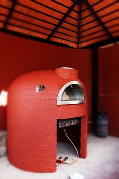 Check my fixed brick oven on www. Italian Pizza Oven, Bread Oven, Fire Pizza, Pizza Ovens, Wood Fired Oven, Gas Fires, Kitchen Layout, Brick Wall, Firewood
