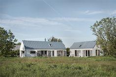 Kolme kotia - Three Homes Tunnelmallisia kesäkoteja. Koti 1 - Home 1 . Love Home, Home Fashion, Architecture, Exterior Design, Tiny House, House Ideas, New Homes, Villa, Farmhouse