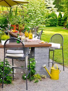 Easy and Inexpensive Ideas for Outdoor Rooms