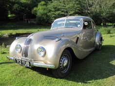 1950 Bristol 401. A beautiful classic Bristol 401 with art deco instrumentation and interior leather. Many consider the 401 the most stylish Bristol ever built.