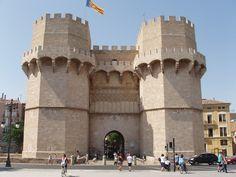 Publicamos la Torre de los Serranos en Valencia. #historia #turismo http://www.rutasconhistoria.es/loc/torre-de-los-serranos