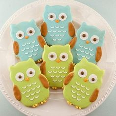 I'm taking up cookie decorating this week. These little owls are adorable!