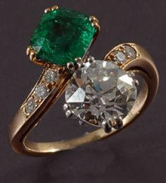 Van Cleef & Arpels DIamond & Emerald Ring #antique #vintage
