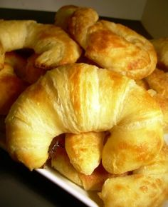 Croissants - Martha Stewart Recipe maybe one day when I have nothing to do and the urge to bake. Bread Recipes, Baking Recipes, Homemade Croissants, Croissant Recipe, Martha Stewart Recipes, Bread And Pastries, Dinner Rolls, Muffins, Food Network Recipes
