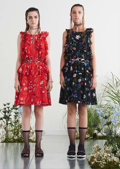 See the complete Markus Lupfer Spring 2017 Ready-to-Wear collection.