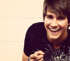James Maslow - just love this pic, it's so damn cute :3