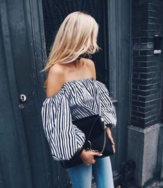 Stripe off-the-shoulder top & skinny jeans | @styleminimalism