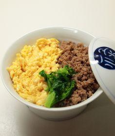 Chicken Soboro Rice Bowl 鶏そぼろ丼