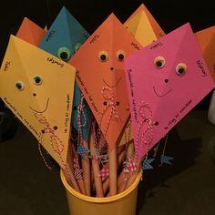 Afscheid...ik vlieg er vandoor! Party Treats, Party Snacks, Diy For Kids, Gifts For Kids, Kids Birthday Treats, Magic Crafts, Bubble Party, Little Presents, Popsicle Stick Crafts