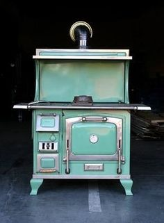 Antique wood stove can light your decorative fire