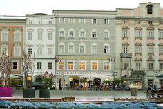 Hotel Linz: Austria Classic Hotel Wolfinger, Hauptplatz Linz Österreich Austria Map, Das Hotel, Most Beautiful Pictures, In The Heights, Cool Photos, Mansions, House Styles, Classic, Garden