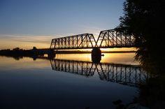 Train Bridge / Burley Idaho by Cliff Hanks, via Flickr