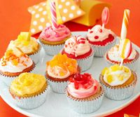 Cute and Easy Cupcake Frosting Ideas with a LOT of frosting recipes