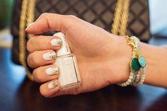 essie-blanc-ombre-glitter-manicure-001