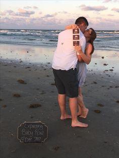 Pregnancy announcement on the beach!