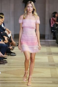 Carolina Herrera Spring 2016 Ready-to-Wear Fashion Show - Martha Hunt