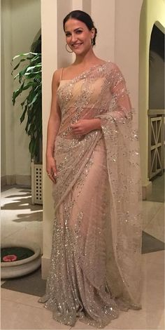 Bollywood Actress Saree Collections: Elli Avram in Rs By Rippii Sethi White Embroidery Saree Dress Indian Style, Indian Dresses, Indian Wear, Indian Beauty Saree, Indian Sarees, Indian Wedding Outfits, Indian Outfits, Saree Designs Party Wear, Fancy Sarees Party Wear