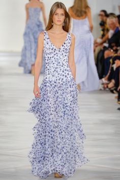 The complete Ralph Lauren Spring 2016 Ready-to-Wear fashion show now on Vogue Runway. New York Fashion, Fashion Week, Love Fashion, Spring Fashion, Fashion Show, British Fashion, Latest Fashion, Beautiful Gowns, Beautiful Outfits