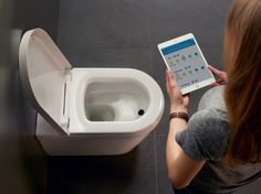 Duravit AG Die Toilette der Zukunft: Duravit präsentiert das erste App-gesteuerte WC mit automatischer Urinanalyse
