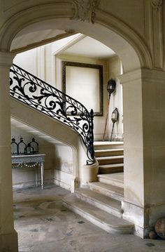 Natural stone moulding. Repinned by Lapicida.com.