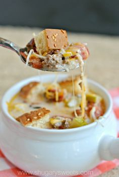 Bacon Cheeseburger Soup: easy 30 minute meal idea that appeals to kids and adults! DELISH!