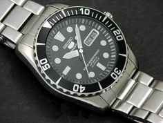 """Why Aren't Watch Companies Suing Each Other For Copyright Infringement All Day Long? James M. from Halifax, Nova Soctia, Canada asks this latest question... Find the answer to this question and more at """"Ask"""" on aBlogtoWatch.com ...we did write about this Submariner-like Seiko Sea Urchin too..."""