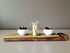 Tapas set on wine barrel stave (by weinARTig)