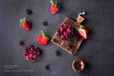 Mini tarts with berries by romalarys