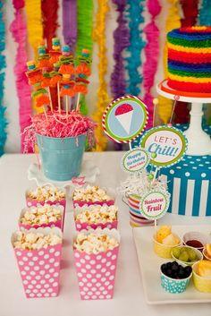 Festa infantil colorida para verão. #festainfantil #festa #party #children #color