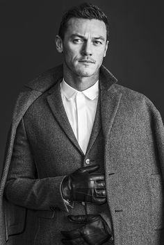 Luke Evans in WWD's Men's Week Issue (10-14). In general, I adore gay men, and want to be pals with them. But this man! Swoon-worthy looks!