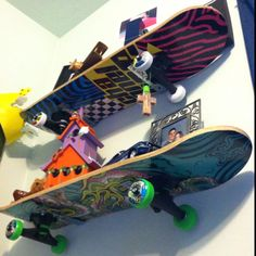 cheap skate boards made as shelfs in the boys room great idea for the playroom - Skater Bedroom Ideas