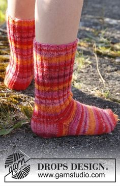 "Knitted DROPS socks in ""Fabel"". Size 15 - 37. ~ DROPS Design"