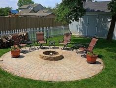 Build a cozy and warm place in your backyard or patio by diy fire pit. You will need nothing more than bricks, stone pavers or some other . This is also one of the most convenient outdoor fire pit ideas to have up your . Small Backyard Patio, Backyard Patio Designs, Diy Patio, Backyard Decorations, Budget Patio, Patio Table, Diy Fire Pit, Fire Pit Backyard, Fire Pits