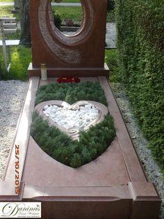 Idee Grabgestaltung für Herbst, Allerheiligen, Winter - Herz mit Tannenzweigen