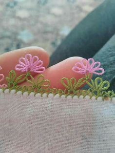 This post was discovered by cansu arı. Discover (and save!) your own Posts on Unirazi. Embroidery On Kurtis, Kurti Embroidery Design, Ribbon Embroidery, Embroidery Stitches, Crochet Unique, Annie's Crochet, Crochet Flowers, Needle Tatting, Needle Lace