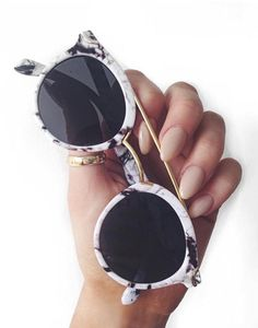 Round Sunglasses With Metal Bridge High Bar With Flat Lens And Marble Finish