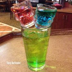 Jolly Rancher Skull Crusher - For more delicious recipes and drinks, visit us here: www.tipsybartender.com