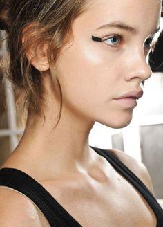 http://votetrends.com/polls/369/share #makeup #beauty #runway #backstage
