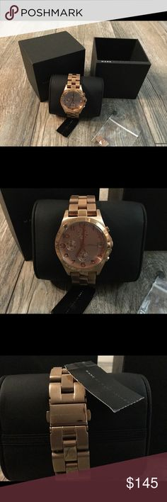 NWT Rose Gold Marc Jacobs watch Perfect brand new with tags watch. Gorgeous rose gold color. Extra link included 💕💕 Marc Jacobs Accessories Watches