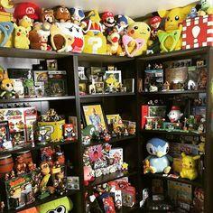 Collection with @masonofdelfino. I must say I am in awe of that super mario flight box!!@   #Nintendo #superMario #ninstagram #legendofzelda #youtube @AppLetstag #nintendo #mario #zelda #gaming #gamer #videogames #legendofzelda #supermario #gameboy #link #n64 #thelegendofzelda #videogame #nintendolife #retrocollective #nintendo64 #mariobros #igersnintendo #nerd #supermariobros