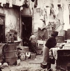 Tenements were the first homes of Spanish, Italian, German, Croatian and other European immigrants. Old Pictures, Old Photos, Argentine, Ellis Island, Murcia, Tango, South America, Light And Shadow, Old Things